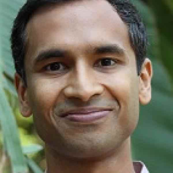 fellow-27925-vivek headshot.jpg