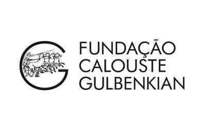 Logo of Fundação Calouste Gulbenkian, Partner of Ashoka Portugal; to the Left a giant letter G with a chariot / horses in the middle of the G. To the left, the words, which are stacked on top of each other: Fundação Calouste Gulbenkian; all in black