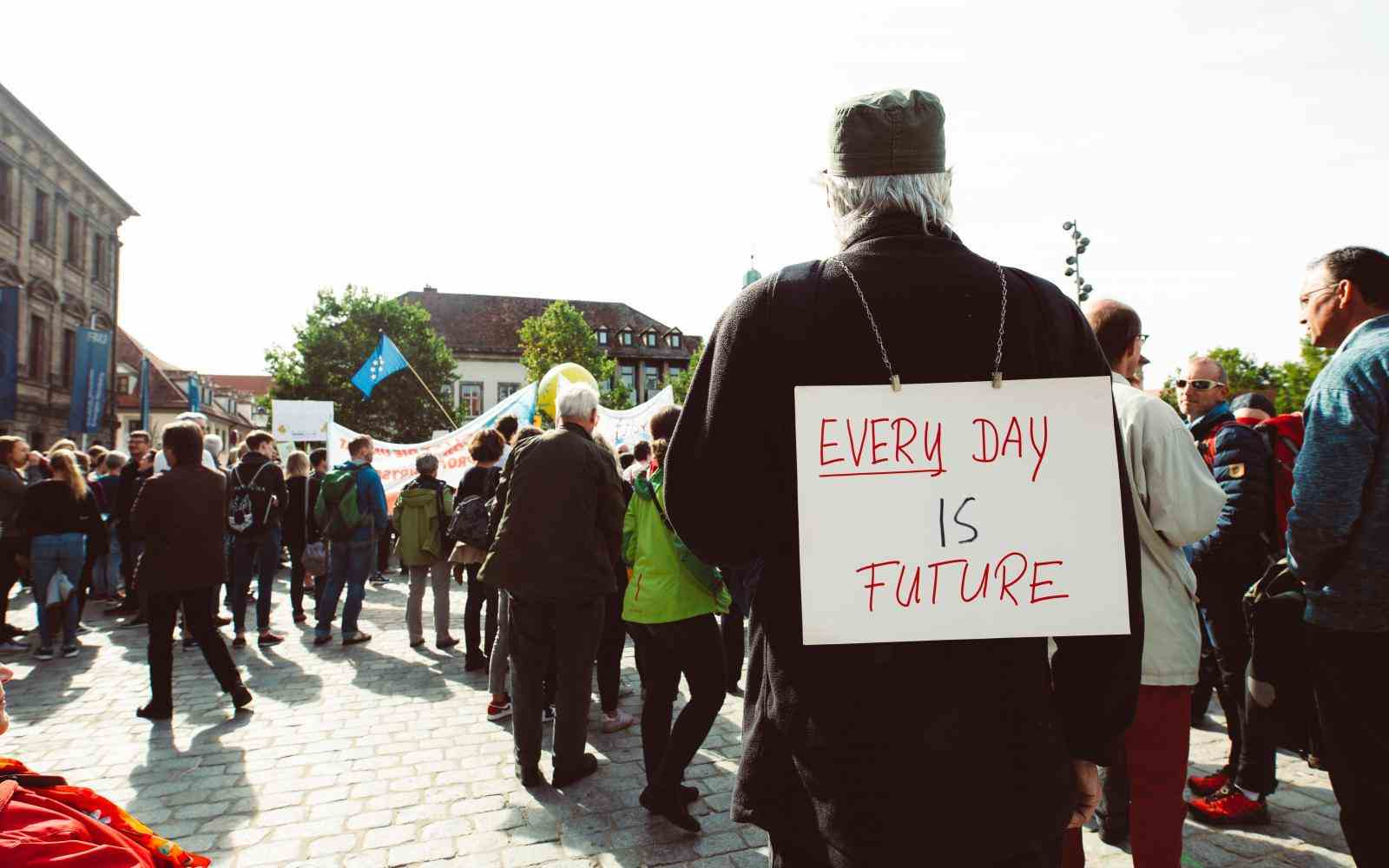 Everyday is our future, old man, banner, manifest